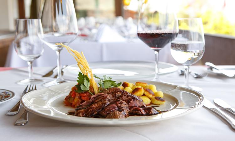 Essen Werden Restaurant : fischrestaurant mit blick auf thunersee grillspezialit ten ~ Watch28wear.com Haus und Dekorationen